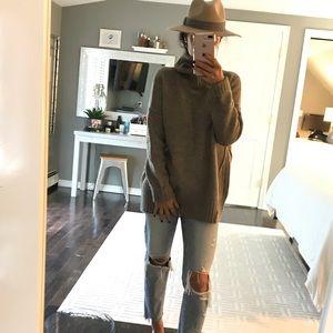 Adrienne Vittadini chunky brown turtleneck sweater